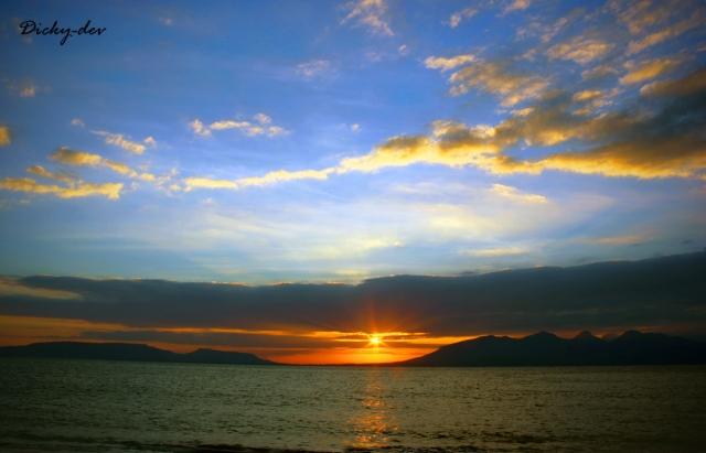 Matahari Terbit Pantai Boom